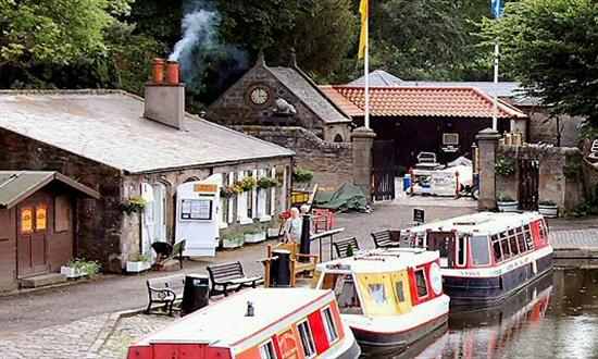 linlithgow_canal_centre_Perfect_Day_221903584